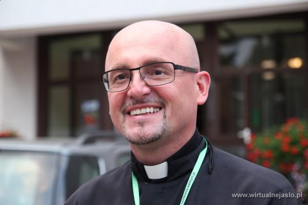 ksiądz Maciej Kucharzyk - misjonarz - saletyn, główny organizator Międzynarodowych Saletyńskich Spotkań Młodych w Dębowcu - 96_1436250819